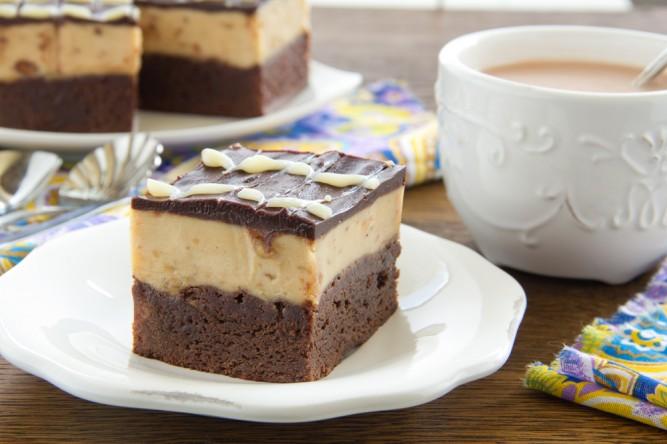 Prăjituri de casă pentru Crăciun: Prăjitură în două culori