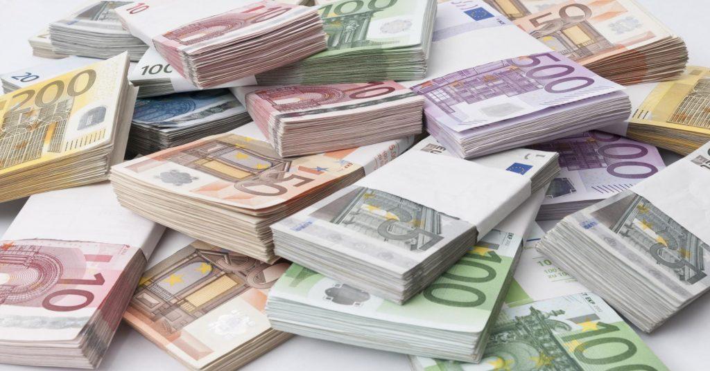 Au fost prinşi bărbaţii care au furat 5.000 de euro anul trecut