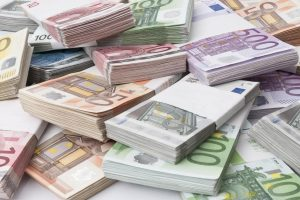 Zeci de firme din vestul ţării primesc fonduri europene
