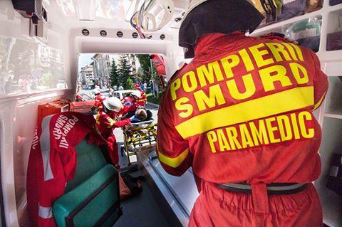 Incendiu puternic la o casă din Oțelu Roșu!Bărbat transportat la spital cu elicopter SMURD