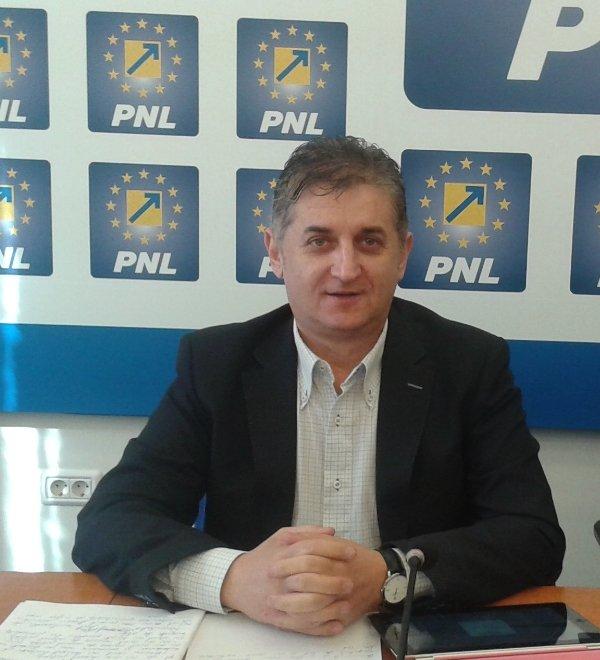"""Deputatul Eusebiu Pistru: """"Guvernul PSD nu investește în sistemul medical arădean"""""""