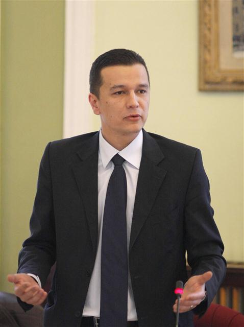 """Premierul Sorin Grindeanu: """"Noua lege a educației să pună bazele unui sistem educațional de calitate, performant și eficient"""""""