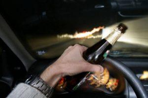 Şofer beat la volan, descoperit în trafic înainte să producă un accident