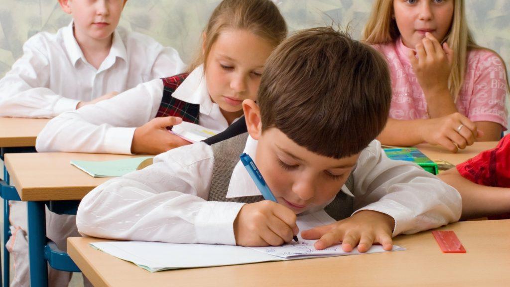 ARAD: Înscrierea în învăţământul primar, prima etapă