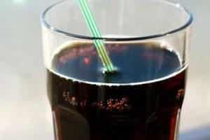 Otrava asta îţi distruge oasele, însă o bei în fiecare zi! Sigur nu ştiai asta!