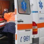 O fetiţă din vestul ţării a murit după ce a căzut de la etajul opt
