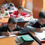 Peste 5.000 de elevi de clasa a VIII-a din judeţ încep simularea Evaluării Naționale
