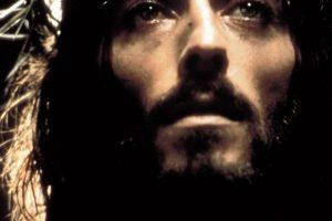 """Cum arată actorul Robert Powell la 41 de ani după apariția sa în """"Iisus din Nazareth"""""""