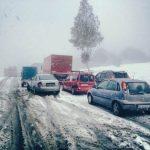 Trafic îngreunat din cauza zăpezii pe mai multe drumuri din țară