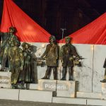 Brigadieri și pioneri în Piața Victoriei. Timișorenii pot vedea Arca lui Lenin și marți seara. FOTO