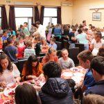 """150 de copii arădeni şi-au dat întâlnire cu chef Cezar Munteanu, în cadrul proiectului """"Vita Week"""""""