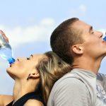 Cum știi dacă bei suficientă apă