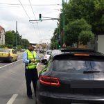 Poliţiştii de la Rutieră au dat sute de amenzi în weekend