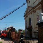 Intervenție la înălțime în Timiș. Siguranța enoriașilor, pusă în pericol la o biserică