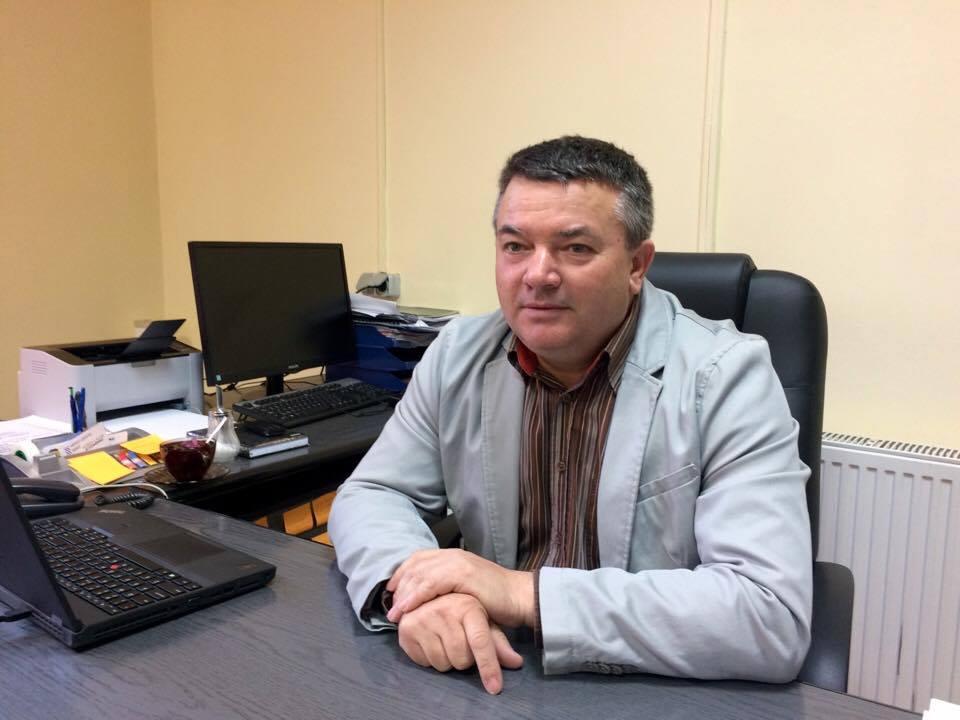 Primarul unei comune timişene îi bate obrazul lui Nicolae Robu
