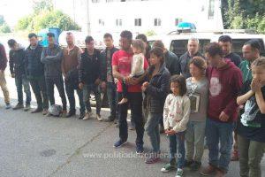 Sârb arestat pentru călăuzirea a 21 de migranți, la frontiera cu Serbia