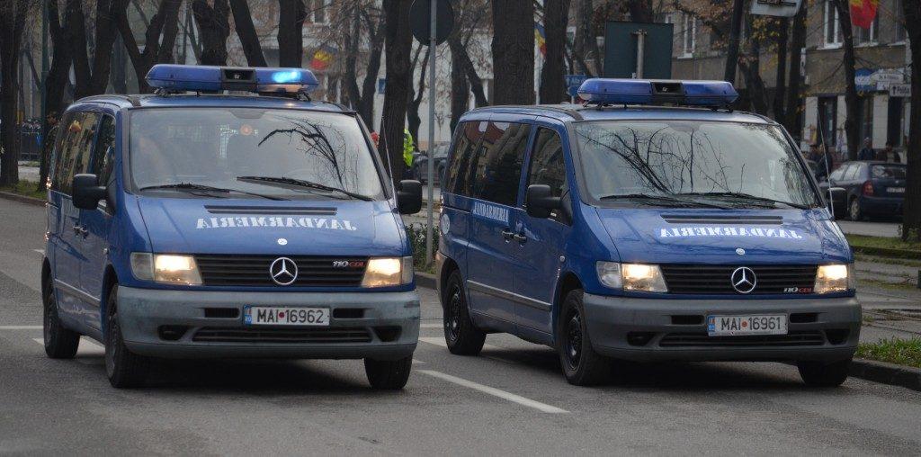 Jandarmii au prins doi traficanţi de ţigări în Piaţa Iosefin