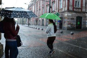 Prognoza meteo. Vreme de vară, dar şi furtuni la început de septembrie