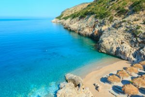 Albania devine o destinaţie tot mai căutată de către români