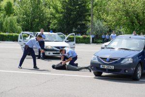 Tineri reținuți de polițiști. Ce infracțiuni au comis