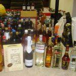 Bărbat, prins de poliţie la câteva zile după ce a furat băuturi alcoolice de 350 de euro