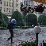 Revin ploile în vestul țării, iar vremea se răcește semnificativ