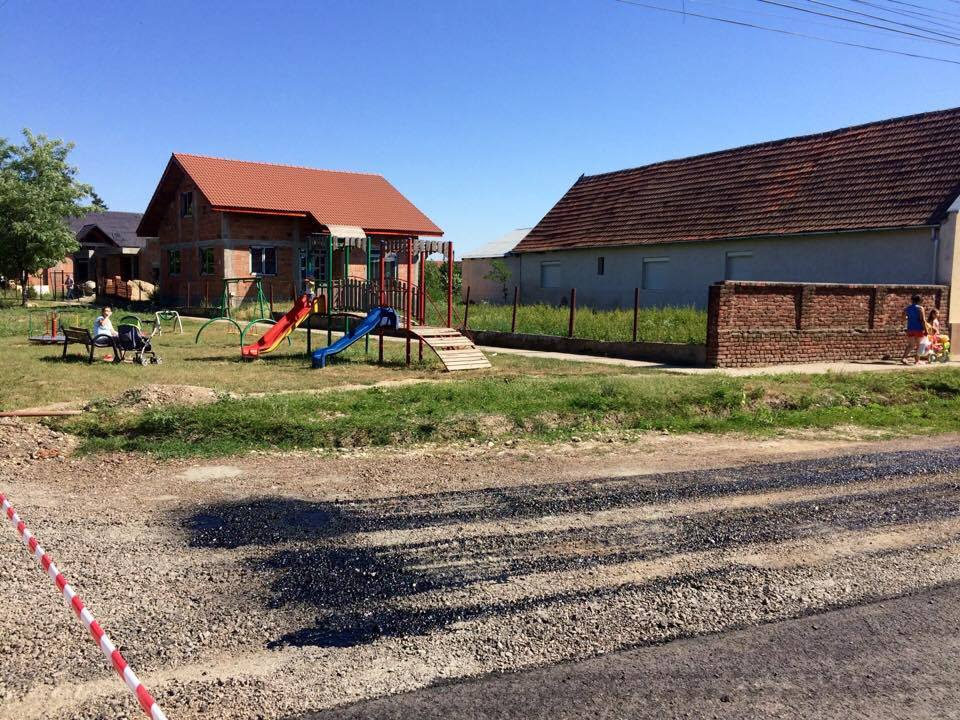 Au început lucrările de asfaltare a străzilor din Utvin. În ce stadiu se află