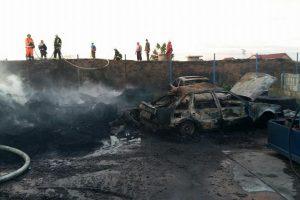 Incendiu la un depozit de caroserii auto