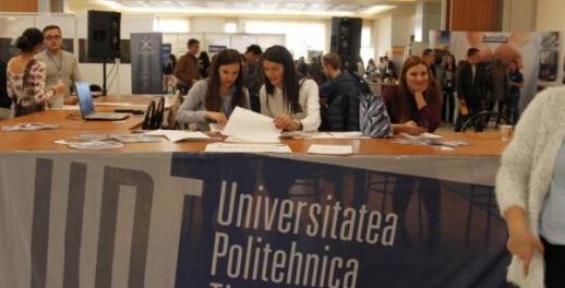 UPT acordă 100 de premii în valoare de 1.000 de euro fiecare pentru elevii merituoși