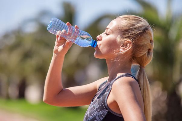 Nu beţi suficientă apă? Atenţie, medicii de la Judeţean spun că v-ar putea fi fatal!