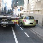 Frica de amenzi îi face pe şoferi să parcheze tot mai rar pe pistele pentru bicicliști amenajate recent în zona centrală
