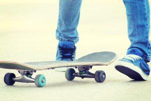 S-a decis! Circulația cu rolele, skateboard-urile și monociclurile pe străzile din centrul istoric, INTERZISĂ