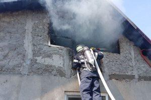 Incendiu puternic! Casă făcută scrum la Sânnicolau Mare