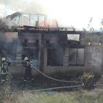 Un incendiu puternic a cuprins o gospodărie din Timiș
