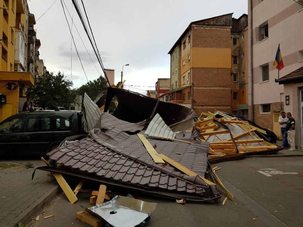Cod roşu la mall: Gata oricând, și în caz de furtună
