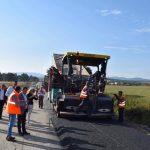 Aproape 20 km de drum, reabilitaţi mai repede decât prevede contractul