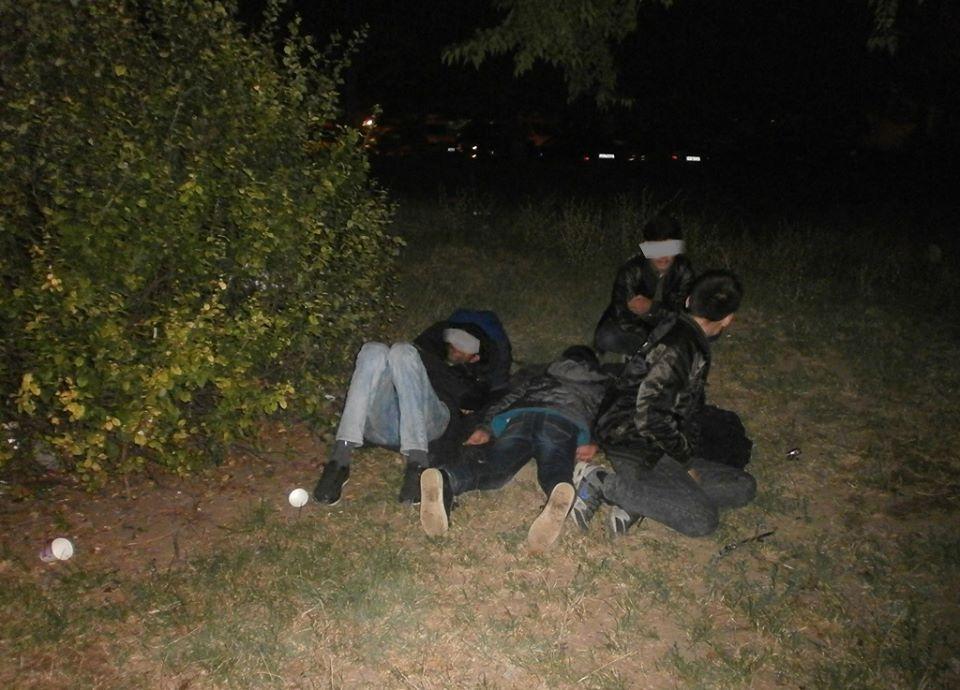 Patru irakieni şi o călăuză sârbă, opriţi de poliţiştii de frontieră la Moraviţa