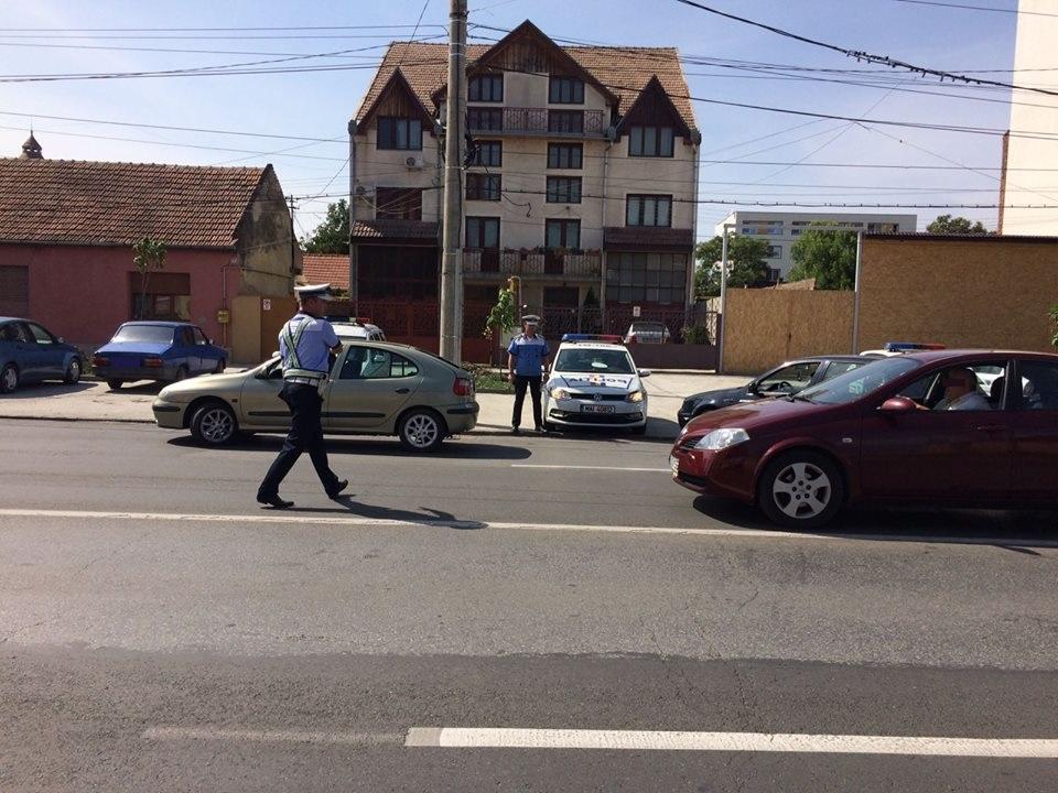 Peste 50 de şoferi au ajuns pietoni în urma unei razii a Poliţiei Rutiere