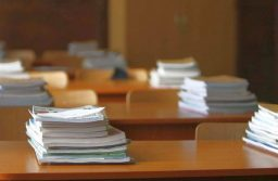 Guvernul propune o lege a manualului școlar