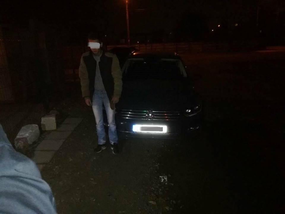 Tânăr băut la volan și fără permis auto