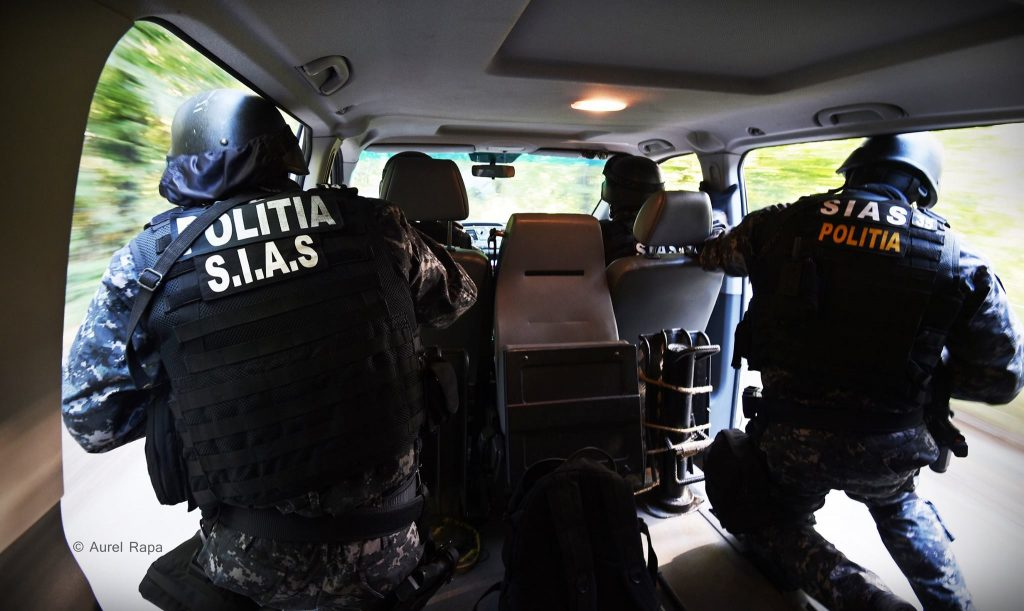Proxenet din Uivar, reținut de polițiștii din Timișoara! Racola clienți pentru o tânără de 24 de ani, pe internet