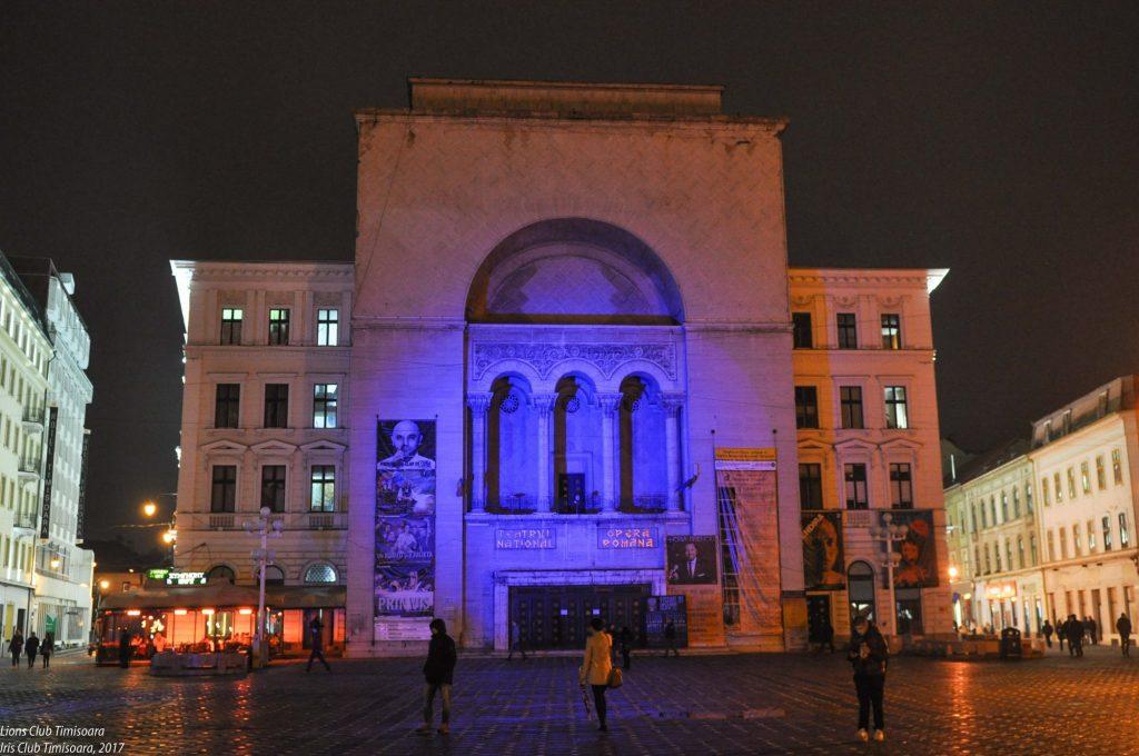 Clădirea Operei din Timișoara, iluminată în culoarea albastru