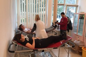 """Campania """"O picătură pentru viaţă"""", la final. Vezi câţi litri de sânge au donat studenţii de la UPT"""