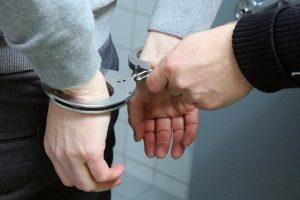Nu a reuşit să scape de închisoare. Mandat de executare a pedepsei, pus în aplicare de polițiști
