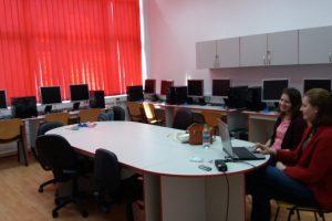 Laboratorul de Elemente de Grafică pe Calculator şi Calcul Paralel de la UPT, modernizat de o firmă privată