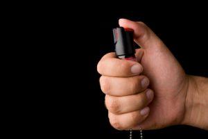 Un timişean s-a folosit de spray lacrimogen ca să facă rost de un telefon