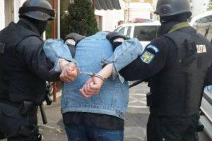 A fost prins tâlharul care a bătut un bărbat pe bd. Titulescu şi i-a furat banii în decembrie