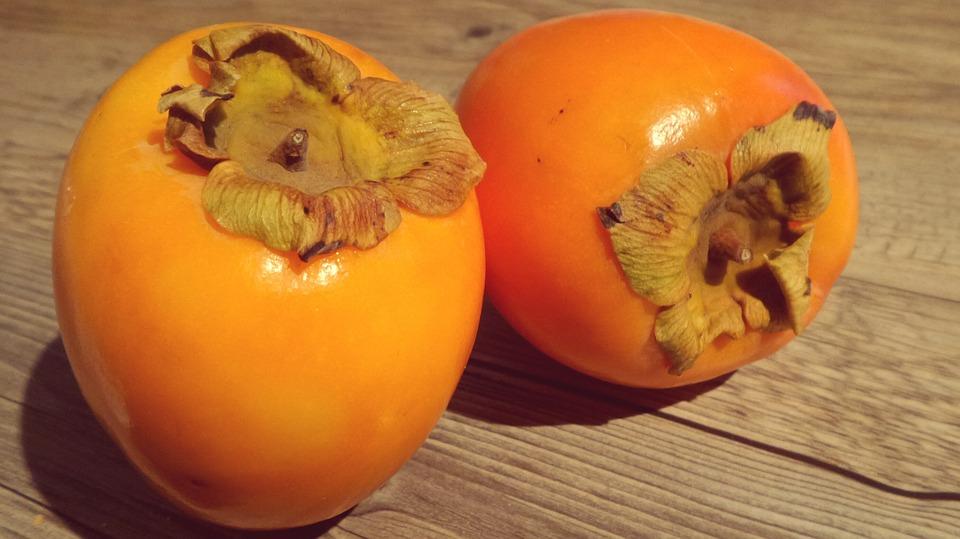 """Kaki sau """"fructul zeilor"""": beneficii și proprietăți"""