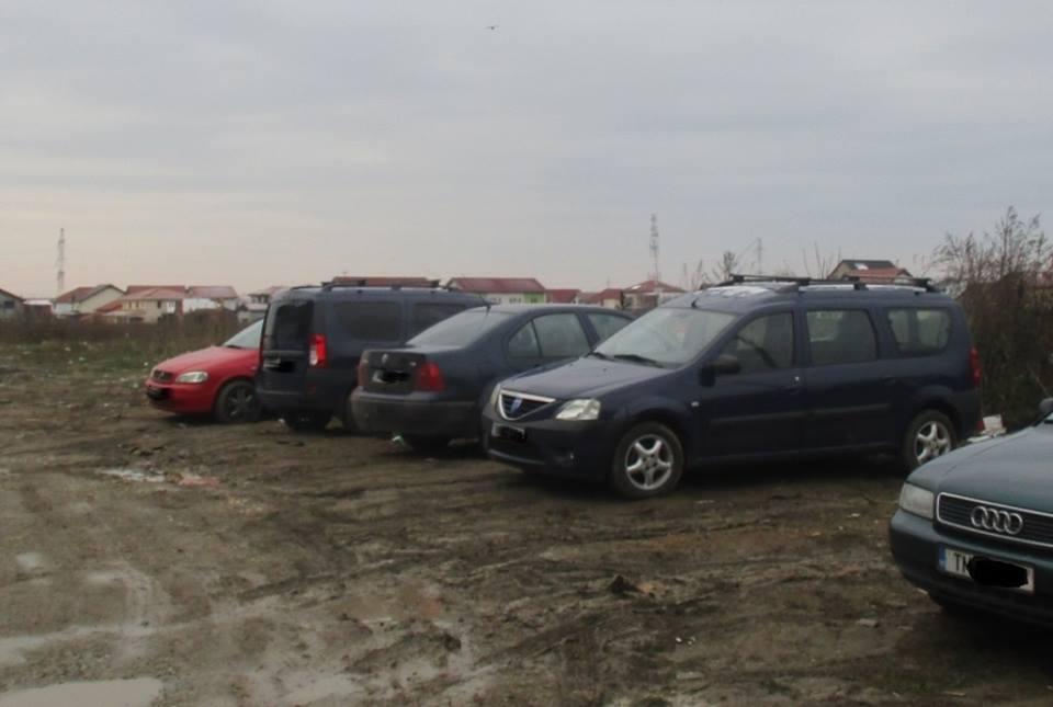 Şoferi buni de plată după ce au parcat în noroi pe Calea Torontalului