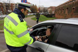 Poliţiştii de la Rutieră au dat peste 600 de amenzi în patru zile
